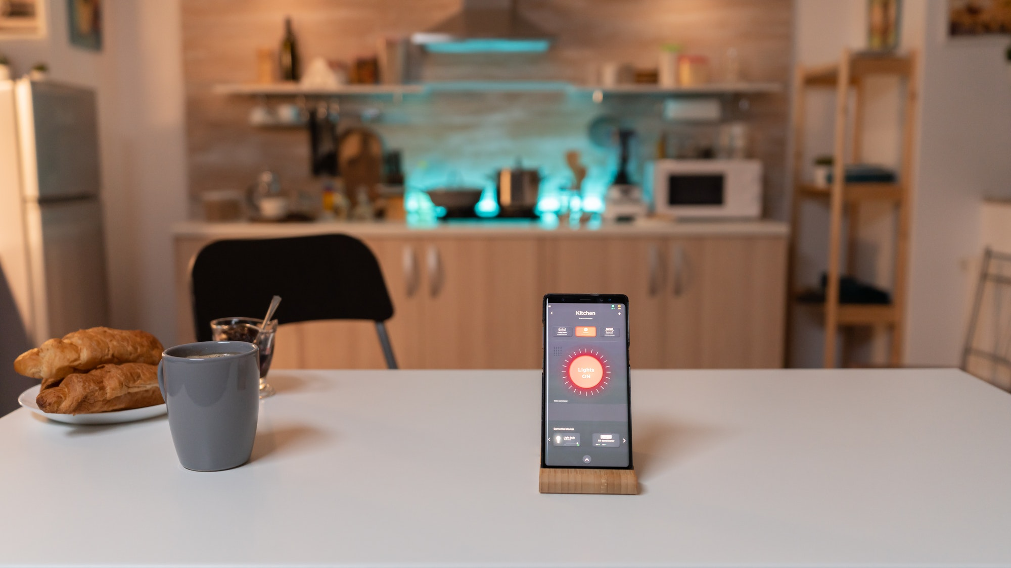 Smartphone with active smart home application